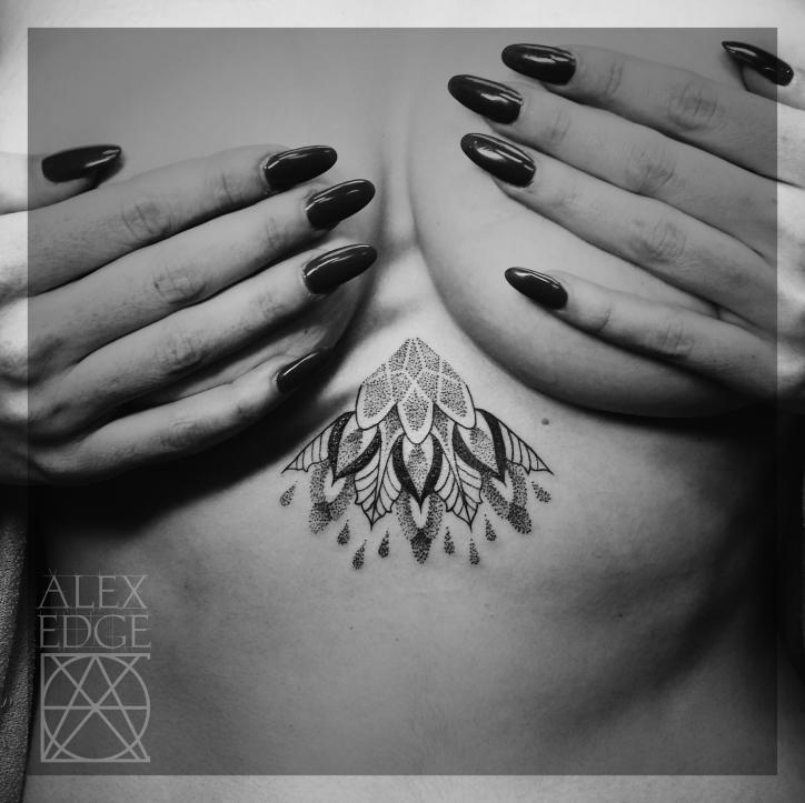 alex edge tattoos, alex edge, Mandala tattoo, dotwork tattoo, dotwork , Alex Edge, alexedgetattoos, sternum tattoo, underboob tattoo